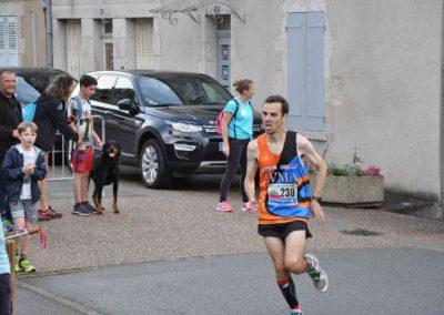 6 - Arrivée Yann DANGE - Vainqueur du 6 km